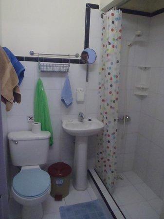 La Casa de Ana: Baño siempre bien limpio