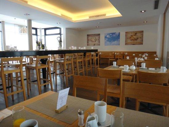 Fuerstenfelder Hotel: Breakfast room