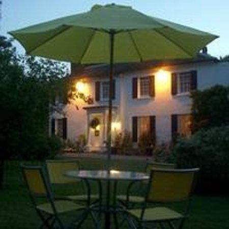 Crossways Hotel: A summers evening at Crossways
