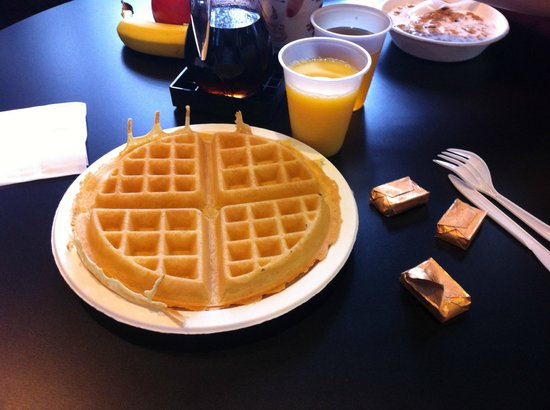 Comfort Inn Near Hollywood Walk of Fame: Waffle
