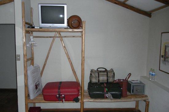 Casa Andina Classic Colca: Open Plan Wardrobe