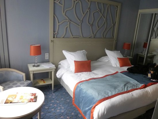 Rochester Champs-Elysees Hotel: our room on 7 floor