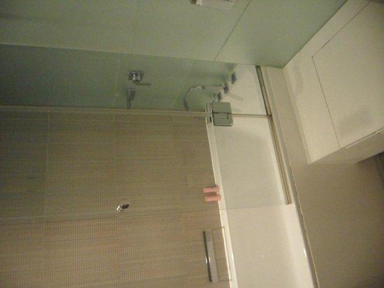 Amfora Hvar Grand Beach Resort: Banheiro