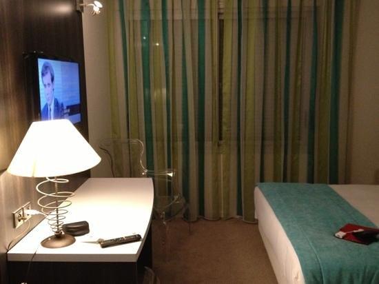 Hotel Les Oliviers : la chambre