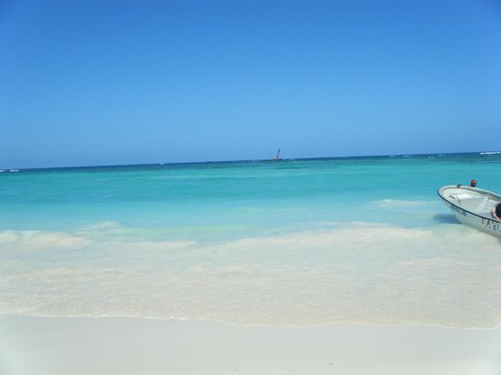 Grand Bahia Principe Punta Cana: Beach and white sand