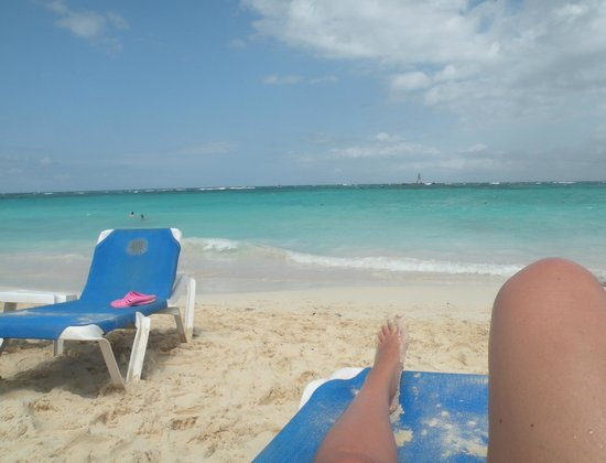 Grand Bahia Principe Punta Cana: Beach is amazing 10 kms to walk either way