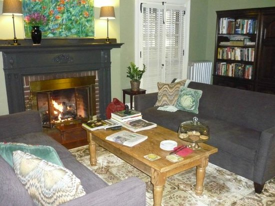The Lancaster Bed and Breakfast: Living Room