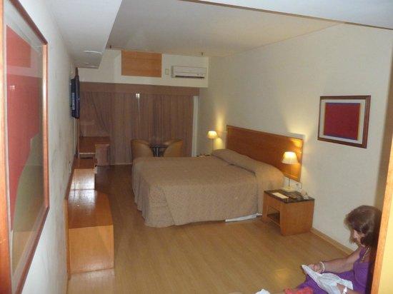 South American Copacabana Hotel: Habitacion Amplia