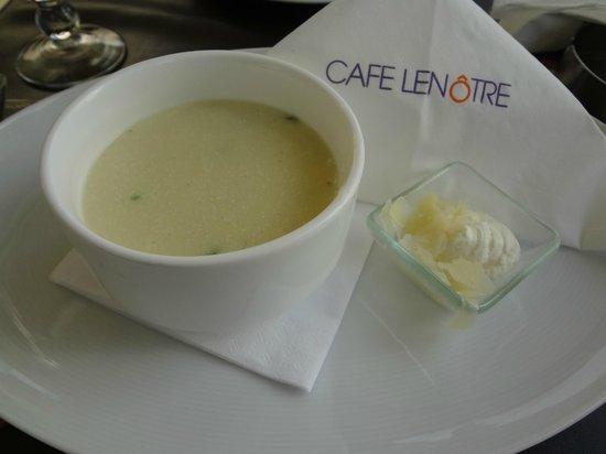 Le Cafe Lenotre: Chicken Cream Soup