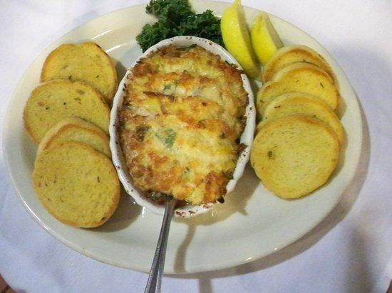 Crow's Nest Bar & Grill: Crab Dip
