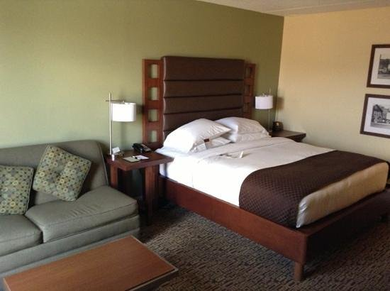 Doubletree Collinsville/St. Louis: 408