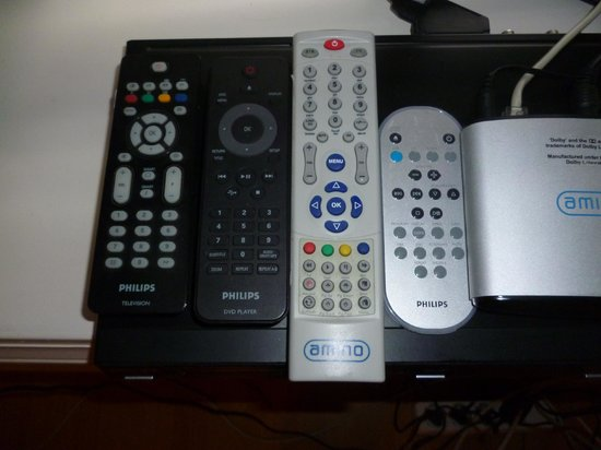 Room With a View Apartments: 4 remotes! - 4 channels