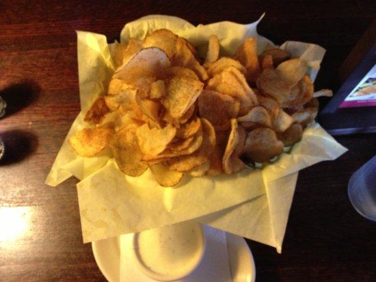 Hoffbrau Steak & Grill House: Scrumptious Chips