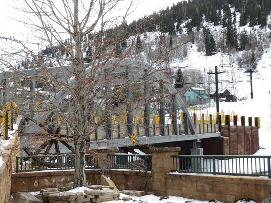 Marriott's Summit Watch: the Town lift bridge just steps from Summitwatch