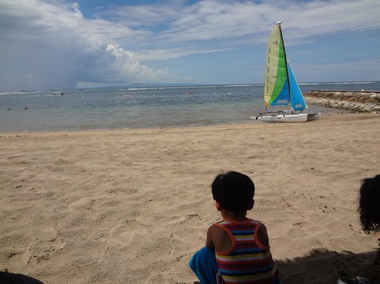 Grand Mirage Resort and Thalasso Bali: Waiting for speed boat ride..