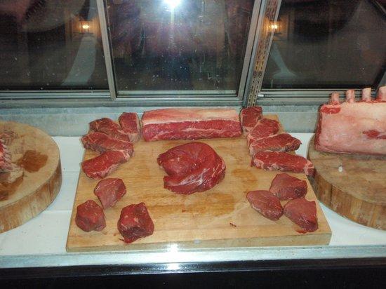 Cedars Steak House: steaks in the window