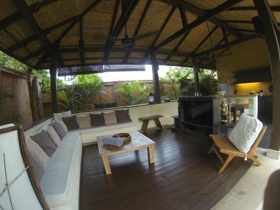 ألانتا فيلا: Outdoor seating