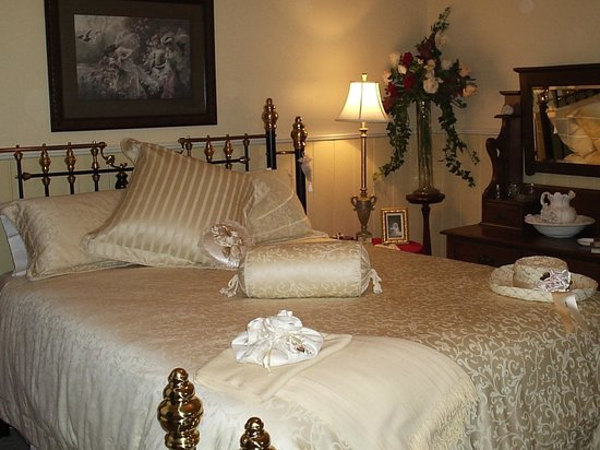 Springbank Bed & Breakfast : Batema Suite bedroom