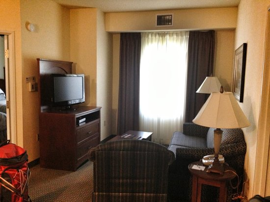 living room in a 2 bedroom suite picture of staybridge suites fairfield napa valley area