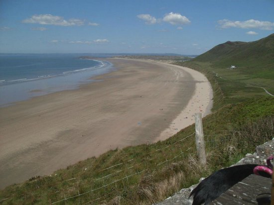 Rhossili Bay: Rhosili Bay from beer garden of Worm's Head hotel