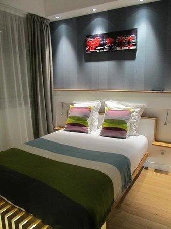 Hotel Ambre: Quarto espaçoso