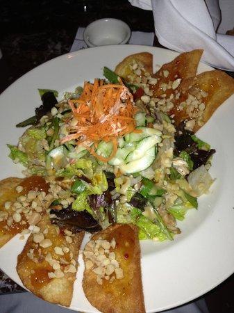 Grand Lux Cafe: Polynesian Salad