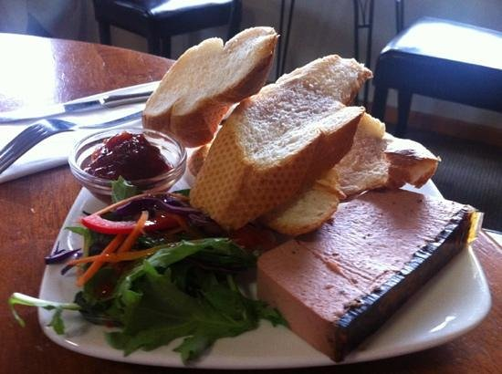 Catlins Cafe: homemade pâté - it was divine!!