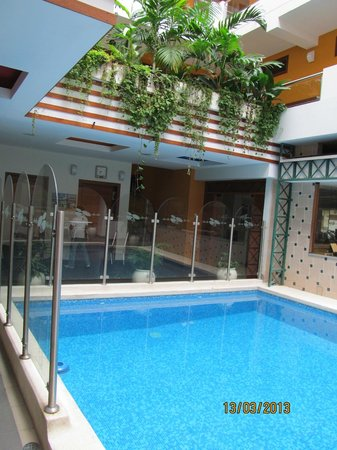 Victoria Regia Hotel & Suites: Pool and Open Courtyard area