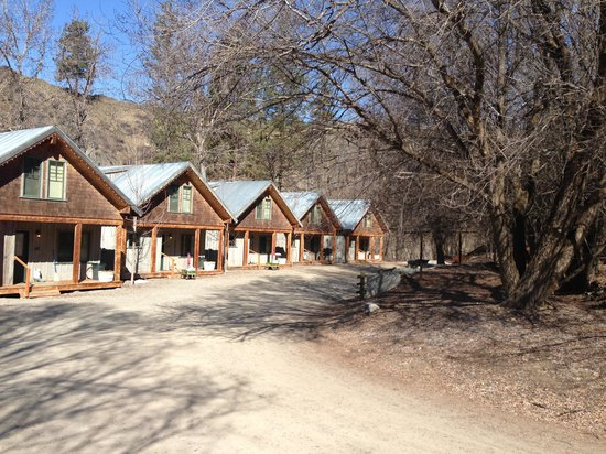 River's Edge Resort: Cabins