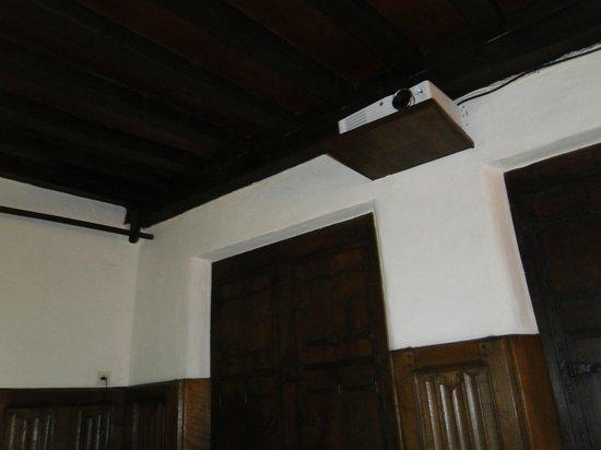 Nuit Blanche: el proyector de la habitación, está sobre la cama, en el techo