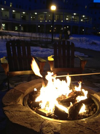 Outdoor Gas Fire Pit Smores Kits Are