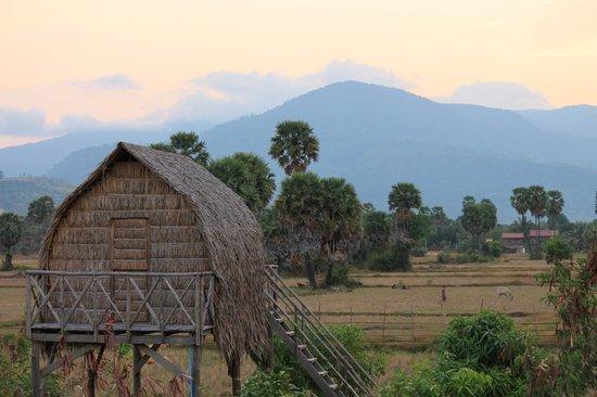 Ganesha Kampot Eco Guesthouse and More: tribal hut