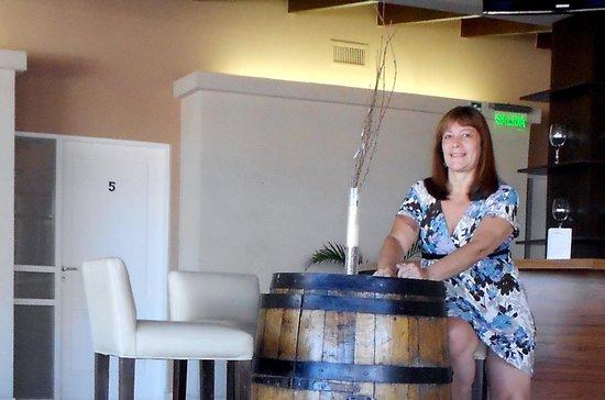 Hotel San Pedro Palace : disfrutando en el bar