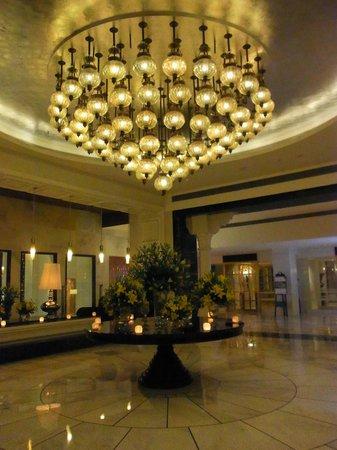 ITC Mughal, Agra: ITC Mughal Sheraton, Agra - lobby