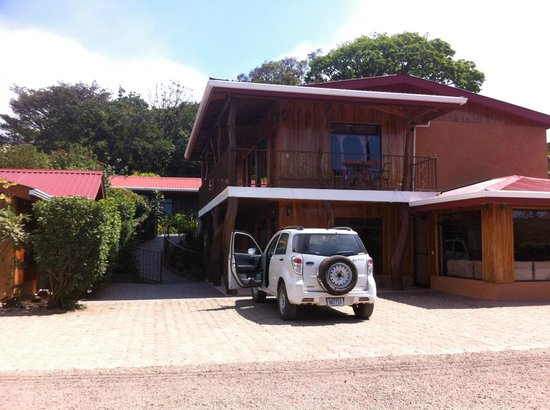 Monteverde Rustic Lodge: View from outside