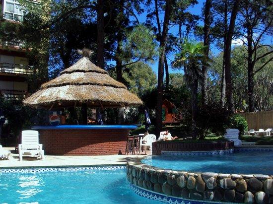 Hotel Chiavari: Piscinas , lo mejor del hotel.