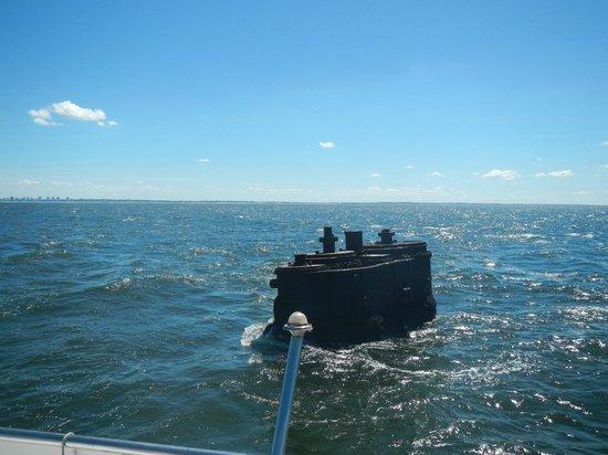 Isla de Lobos: Sunken ship near the island.
