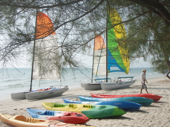 Otres Beach: The little sailing and kayaking club at the end of the beach.