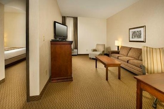 Drury Inn & Suites St. Louis Fairview Heights: Suite