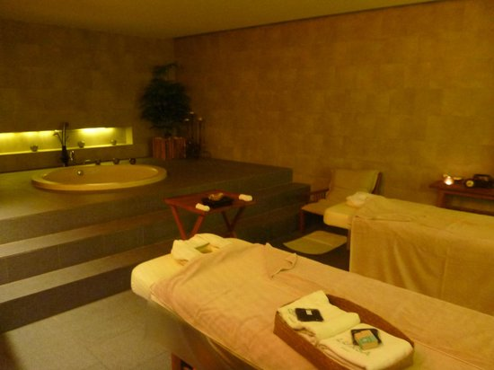 Luxsa Spa: a typical treatment room. there is still a steam room and shower facilities.