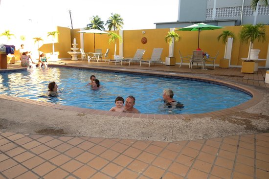 Hotel Villa del Sol: Hotel pool...great for the kids or relaxing after the beach!