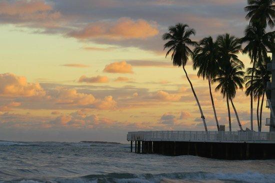 Hotel Villa del Sol: Isla Verde beach sunrise