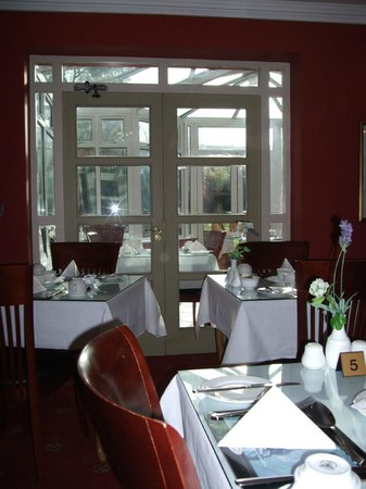 Waterloo House: Dining room with a view