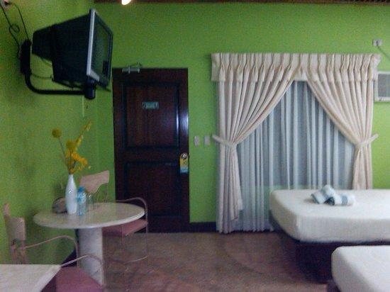 San Remigio Beach Club Hotel: The Executive Suite