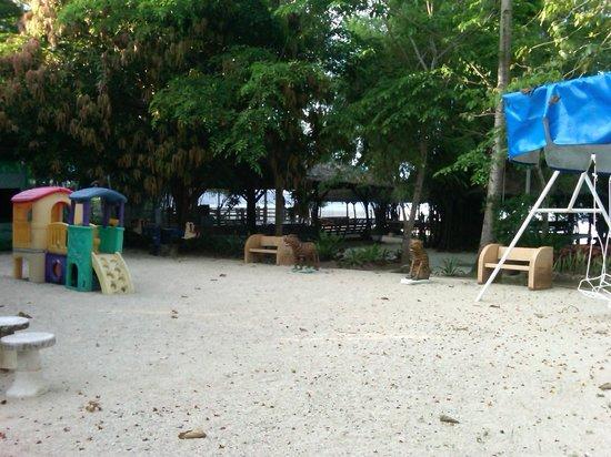 San Remigio Beach Club Hotel : Play area