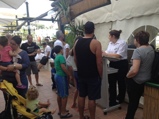 "Nova Like Hotel Eilat - an Atlas Hotel : line to the cafeteria or  "" free breakfast"" from nova"