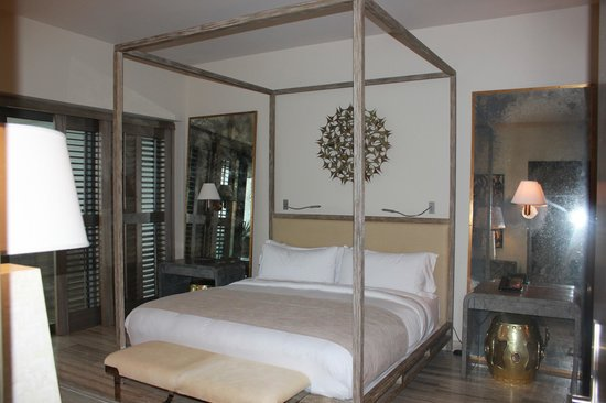 Four Seasons Resort and Residences Anguilla: Comfy comfy beds!