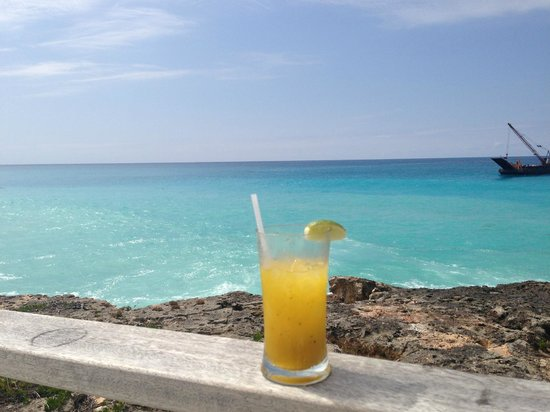 Four Seasons Resort and Residences Anguilla: Mango mojito at sunset lounge