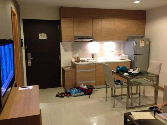 Viva Garden Serviced Residence: 小廚房