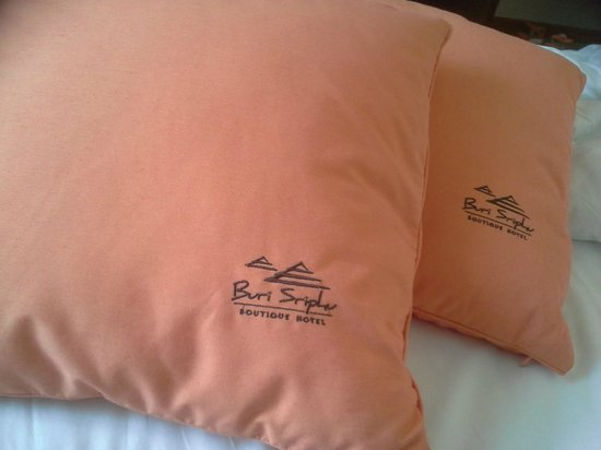 Buri Sriphu Boutique Hotel: Pillow